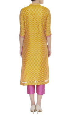 Zari embroidered kurta set with banarasi dupatta