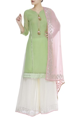 Straight fit kurta set with gota embroidered dupatta