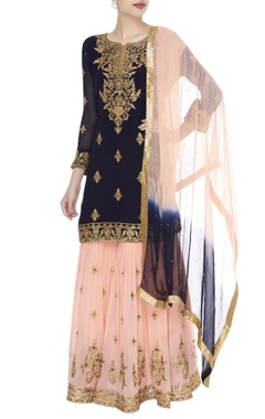Zari & resham embroidered kurta set
