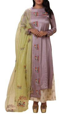 Vedangi Agarwal Asymmetric bicycle Embroidered kurta set