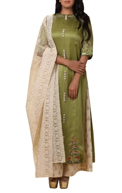 Vedangi Agarwal Embroidered kurta set with palazzo