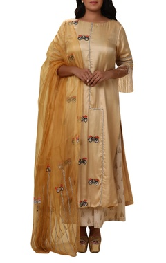 Vedangi Agarwal Embroidered bicycle kurta set