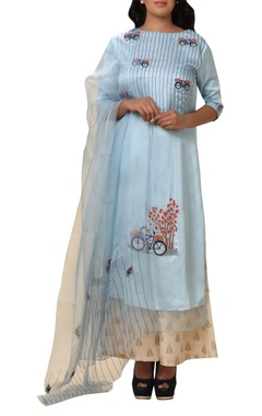 Vedangi Agarwal Bicycle embroidered kurta set