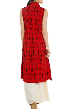 Tribal mask print tunic with pleated front