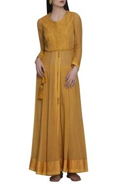 Shyam Narayan Prasad Embroidered front slit kurta set with waistbelt