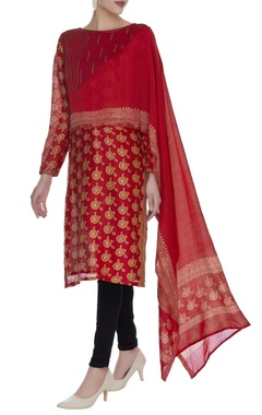Printed kurta with attached dupatta