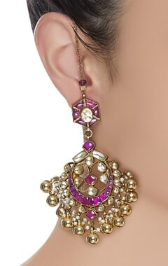 Kundan earrings with pearls