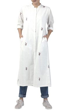 Long tunic with back pleats