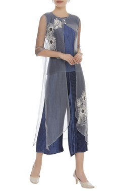 Thread embroidered cape with pleated pant set