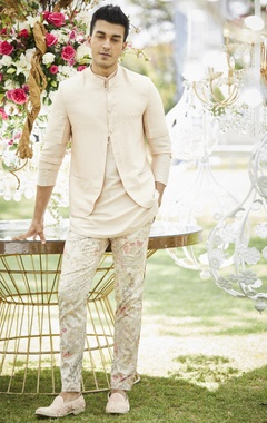 Floral print pants with kurta & bundi