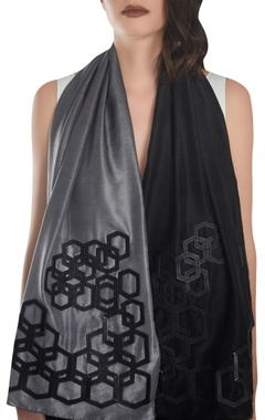 Hexagonal shaped leather detail stole