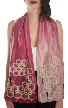 Delicate gold hardware work stole