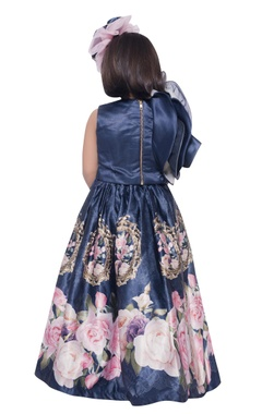 Ruffle sleeves crop top with floral print flared skirt