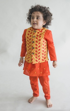 Embroidered kurta with printed nehru jacket and pants