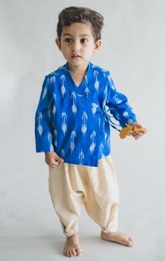 Ikat printed kurta with dhoti pants