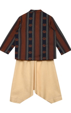 Overlap Style Kurta Set With Bird Tassels