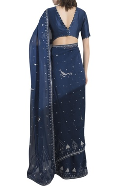 Printed saree with scalloped back blouse