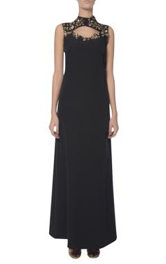 Platinoir Embellished neckline keyhole gown