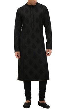 Tarun Tahiliani - Men Block printed kurta with churidar