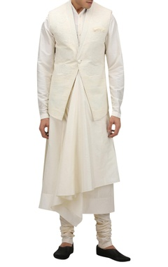 Tarun Tahiliani - Men Textured motif nehru jacket with pocket square
