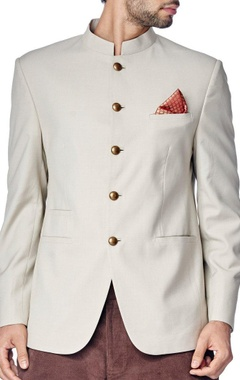 Beige badhgala with attached pocket square