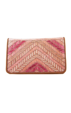 Peach clutch with long chain
