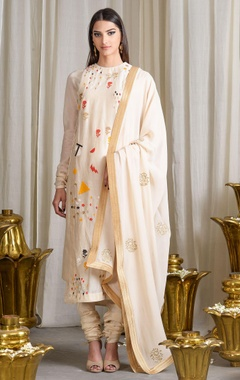 Beige cotton silk kurta set with geometric motifs & appliques details