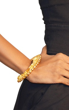 gold plated floral textured bangle
