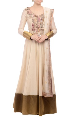Anarkali set with gilded accents