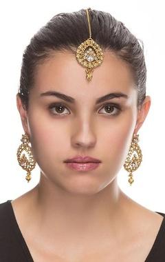 Gold plated earrings & maang-tikka set