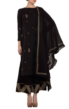 black zari embroidered kurta set