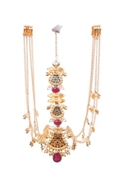 Gold leaf maangtikka with pink onyx