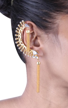 Gold earcuffs with pearl beads and gold tassels