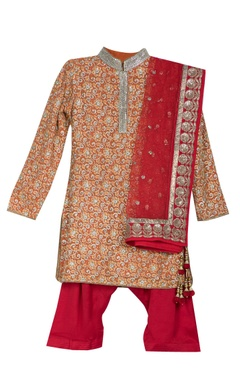 Red pre-embroidered collar kurta with pants
