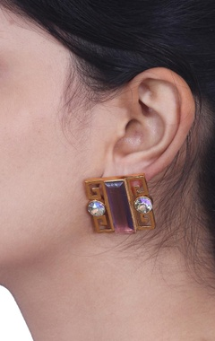Dimante and purple geometric studs