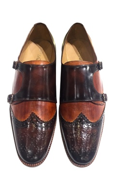 Handcrafted pure leather shoes with belt detailing