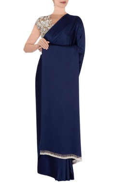 navy blue sari with beige blouse