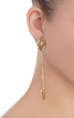 Gold chain earrings with stone