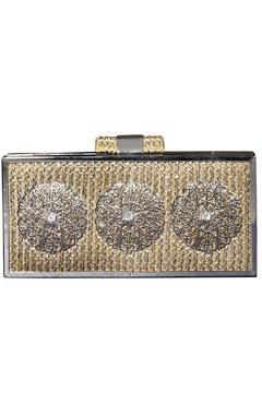 Beige jute clutch with metal motifs