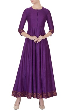 Pinki Sinha Violet moonga silk kurta with brocade silk border