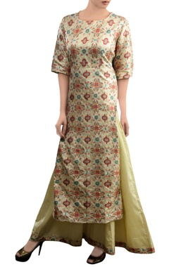 Pinki Sinha Ivory kurta set with geometric pattern