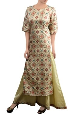 Ivory kurta set with geometric pattern