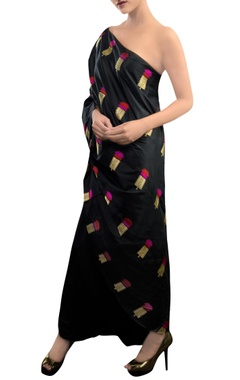 Black dhoti pant set with floral motifs