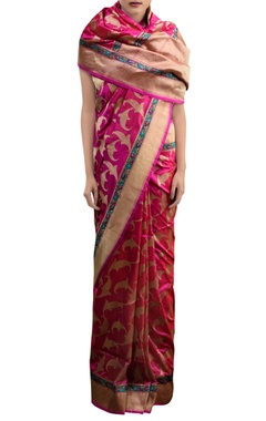 Pink sari with leaf pattern zari work