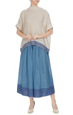 EKA Natural linen solid blouse with blue border