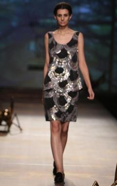 Black wavy flower sequinned skirt