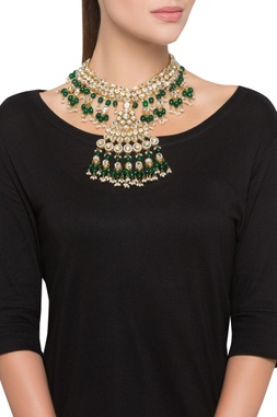 Kundan necklace with beads