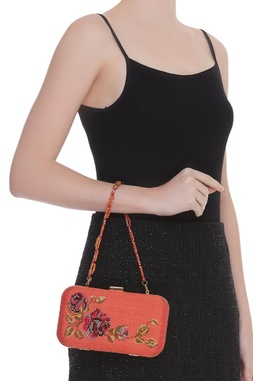 Crystal embellished clutch with bead chain