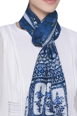 Floral motif printed stole
