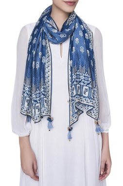 Floral printed stole with tassel detail